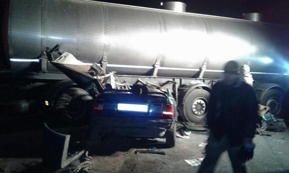 Под Николаевом вДТП савтоцистерной погибли трое военных| дтп