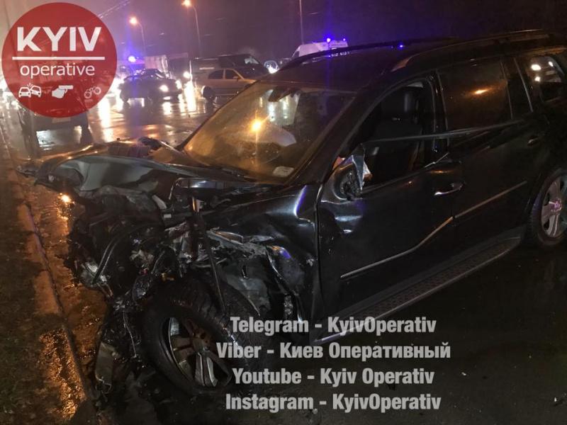 ВКиеве произошла авария сучастием 5 авто, есть жертвы