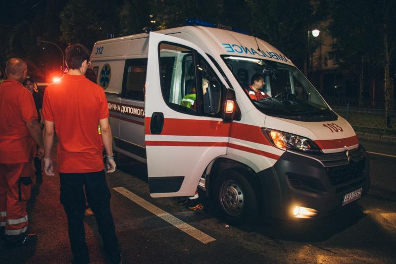 В Киеве Hummer сбил насмерть девочку на пешеходном переходе