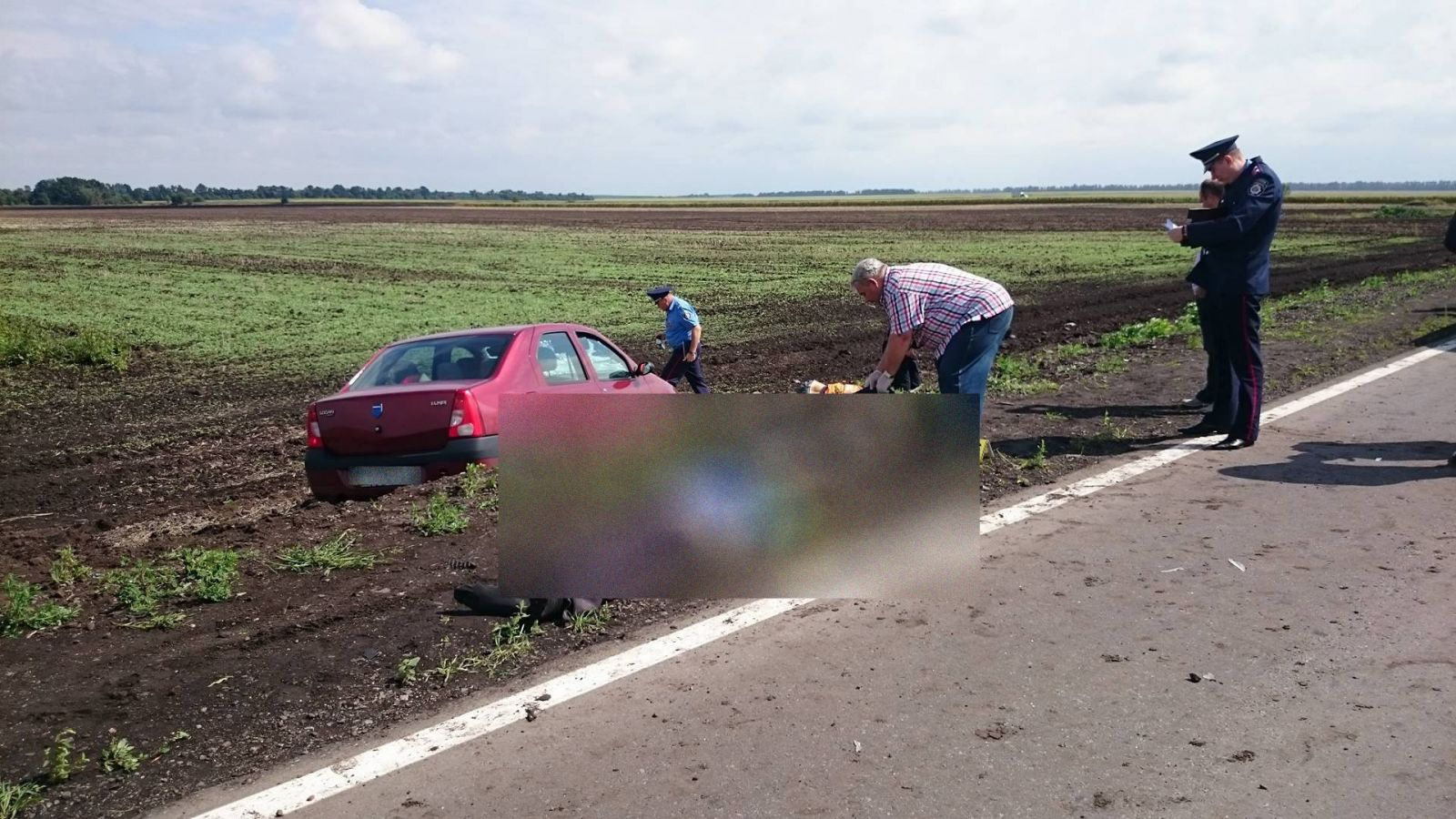 Под Харьком автомобиль врезался вгруппу уличных рабочих. есть жертвы ипострадавшие