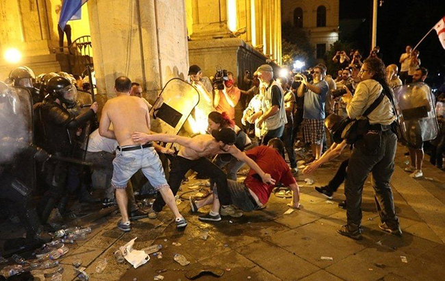 Протести в Грузії: усі подробиці