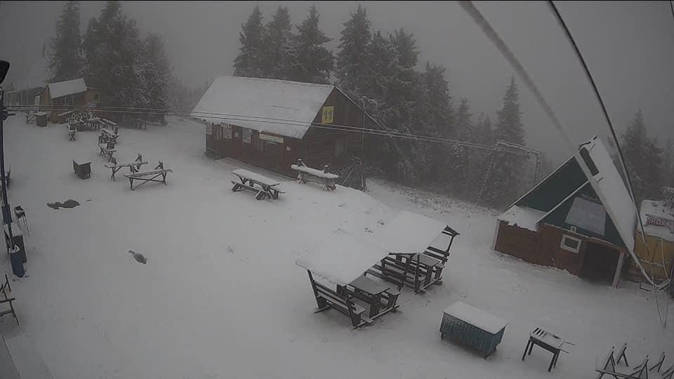 Львів замело снігом, а температура +1: шокуючі фото і відео