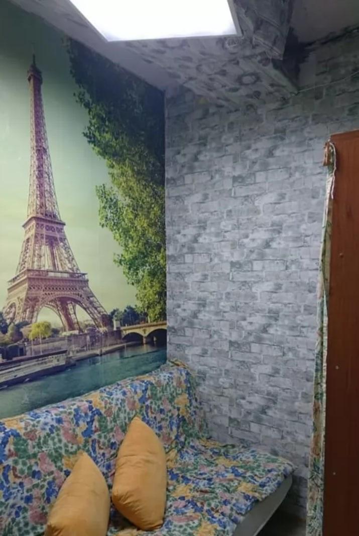 В Киеве продают микроквартиру: унитаз, бойлер и диван - все на 6 кв. м