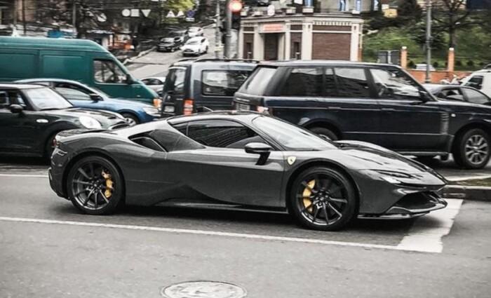 В Киеве заметили Ferrari за 14 млн: самый дорогой в стране