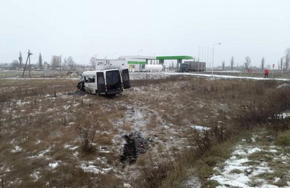 ВПолтавской области микроавтобус столкнулся с фургоном, необошлось без жертв