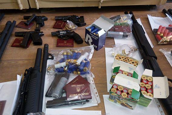 ВЧеркассах милиция  освободила сооружение  облэнерго отвооруженной группы неизвестных
