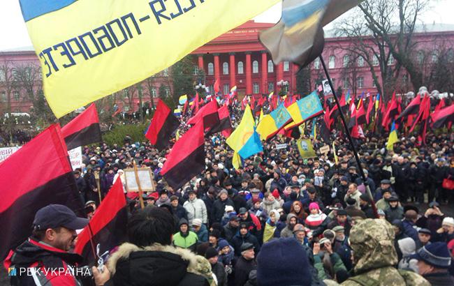 Уцентр Києва зігнали близько тисячі поліцейських та військових
