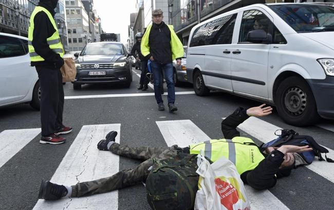 В Брюсселе начались протесты против роста цен на топливо