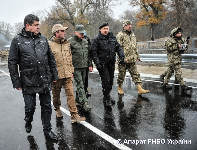 Турчинов распорядился усилить меры безопасности для воинов наДонбассе
