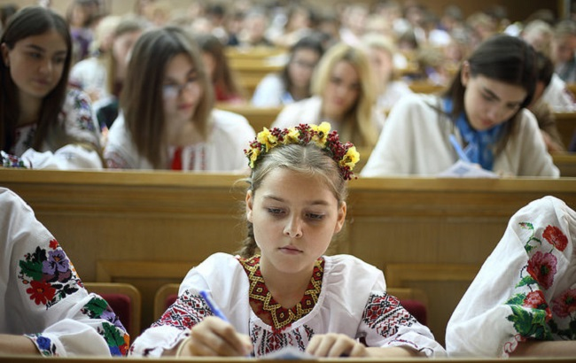 У День писемності та мови в Україні пишуть диктант