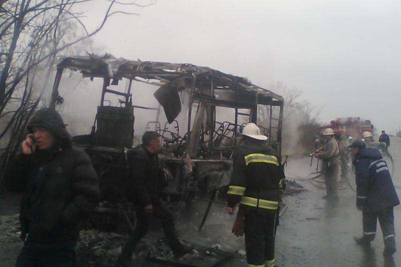 Автобус спассажирами зажегся впериод движения наХарьковщине
