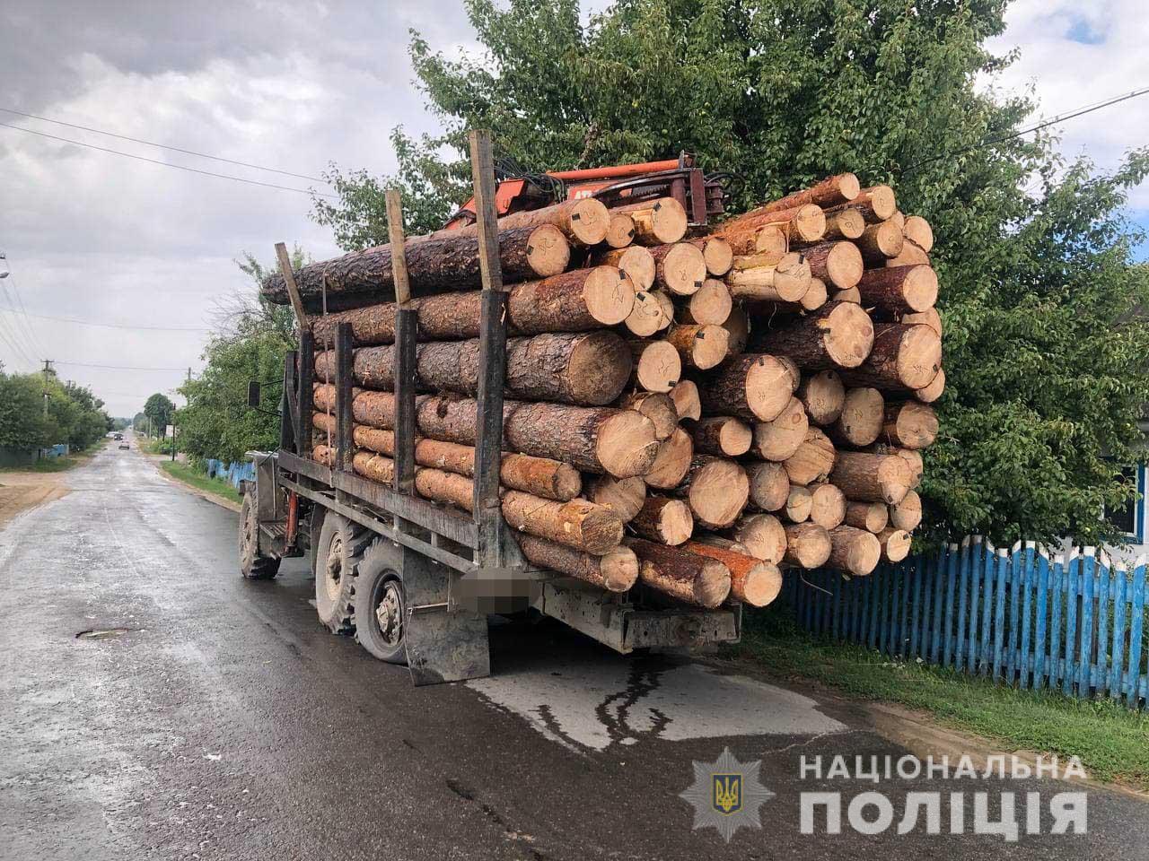 Под Ровно снова из-за взрыва колеса грузовика сильно травмирован пешеход: подробности ЧП