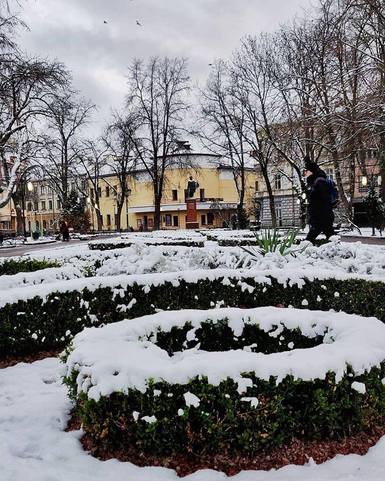Україну засипає снігом: з'явилися вражаючі фото