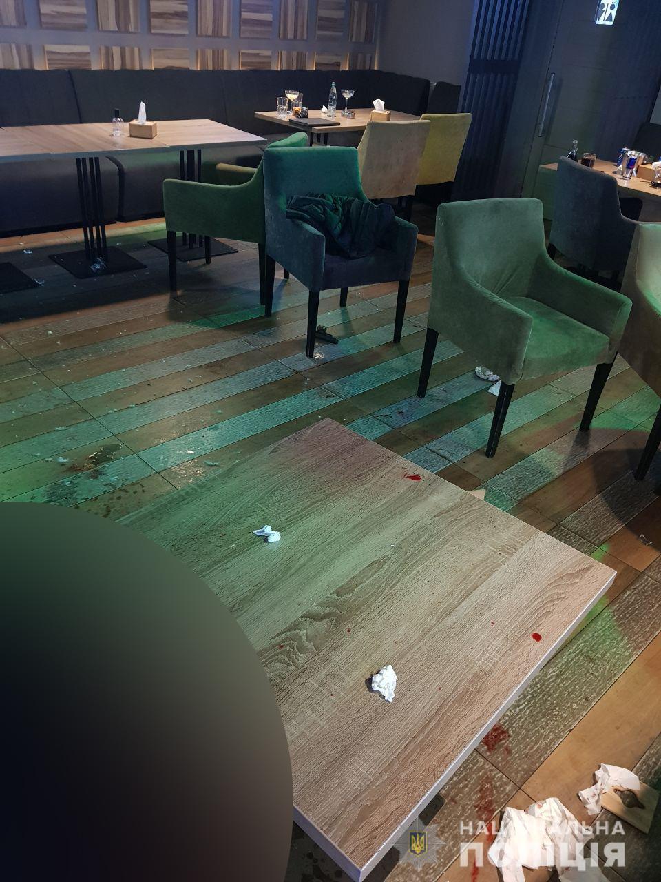 Смерть стрелка в ресторане Харькова: в полиции уточнили подробности об умершем