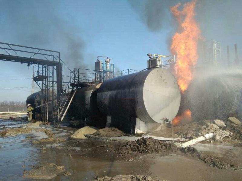 ВХарьковской области пылают емкости смазутом игазовым конденсатом