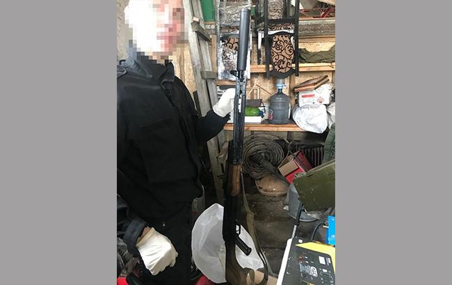 Під Києвом знайшли арсенал зброї із зони АТО