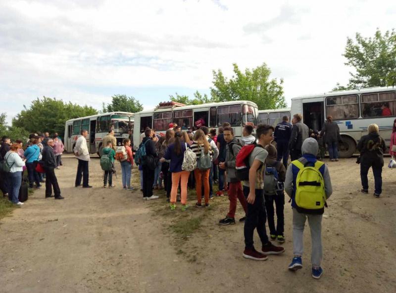 Грузовой ипассажирский поезда столкнулись вгосударстве Украина