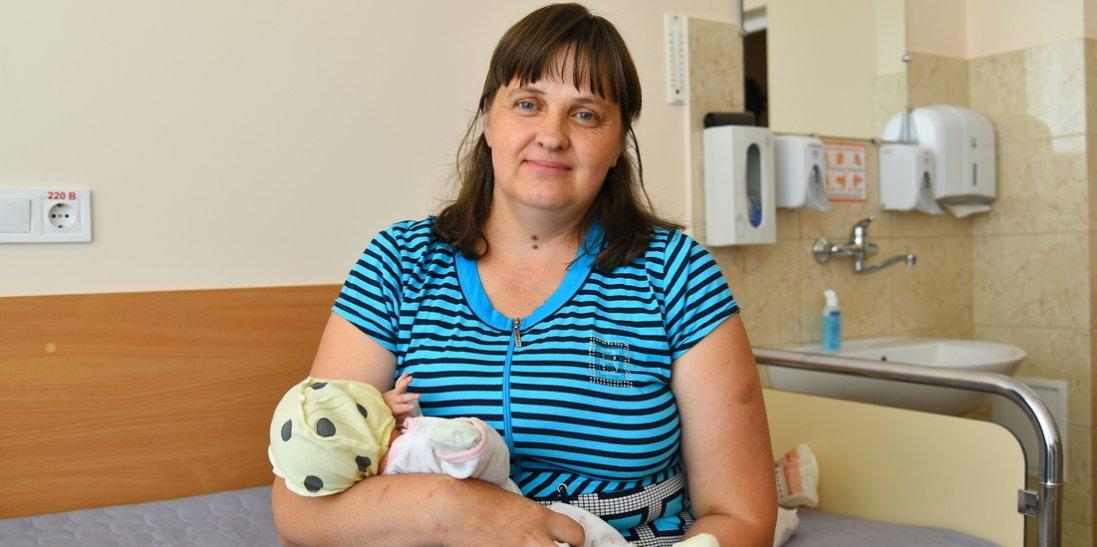 Я така щаслива! У Луцьку 41-річна українка народила вже 17-ту дитину (фото)