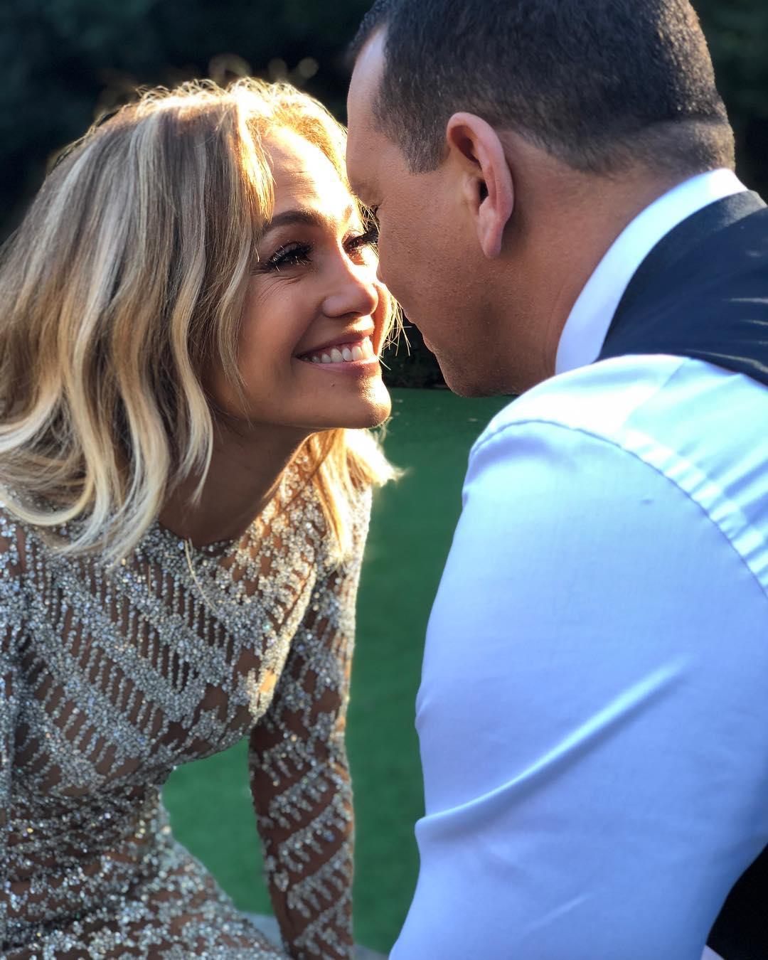 """Она ответила """"да"""": Деннифер Лопес выходит замуж за Алекса Родригеса"""