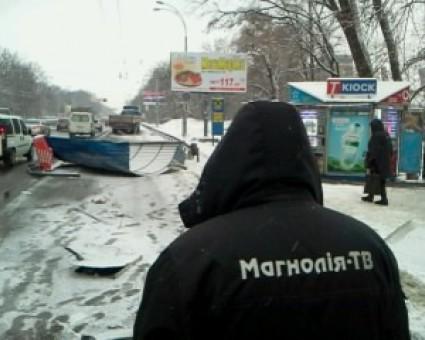 ВКиеве фура снесла остановку, есть пострадавшие
