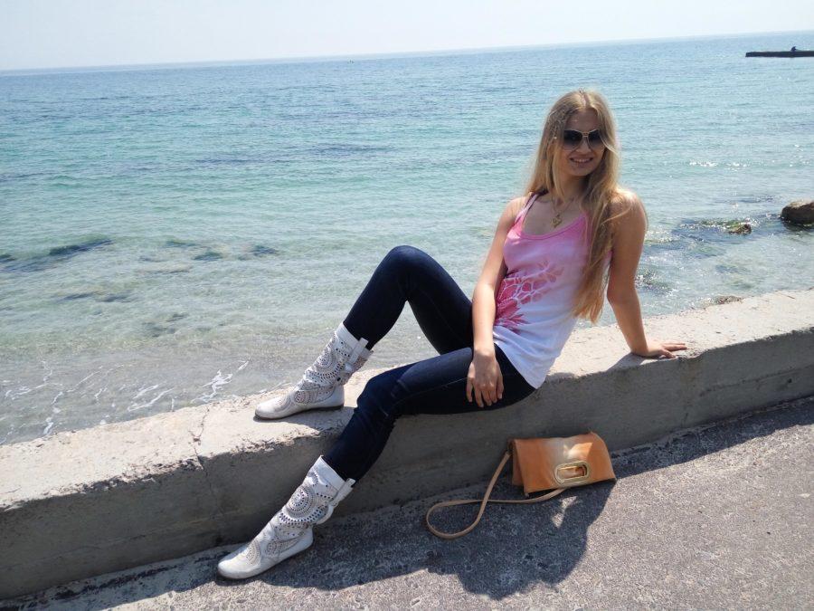 У Москві знайшли мертву і виснажену українську письменницю: в квартирі зовсім не було їжі