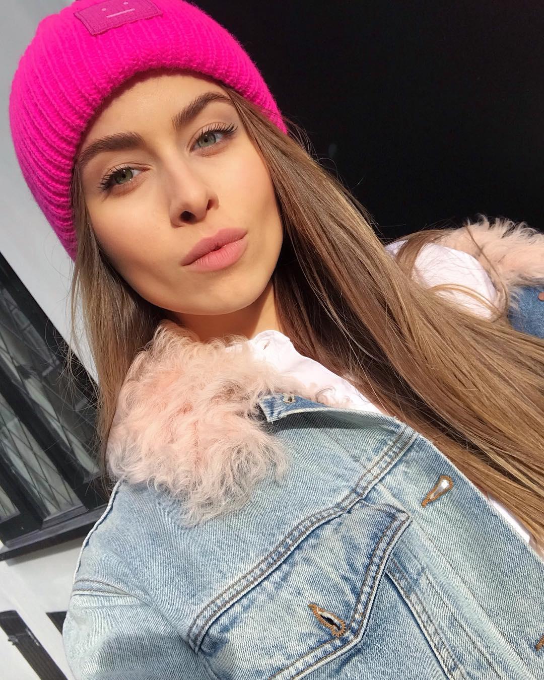 Внучка Софии Ротару покорила безупречными стритстайл-образами