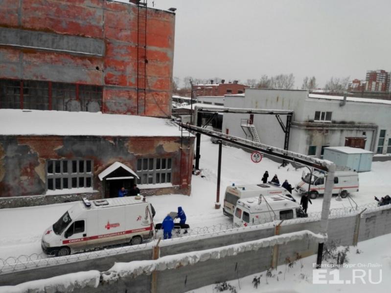 Назаводе попроизводству Буков вРФ обвалилась крыша, есть погибшие