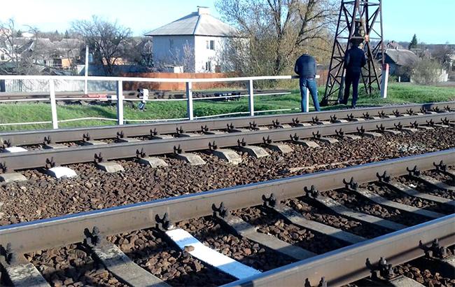 НаХарьковщине железнодорожная дрезина сбила 10-летнюю девочку