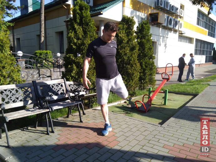 Зеленский пробежал Хмельницким 8 километров и признался в зависимости (фото)