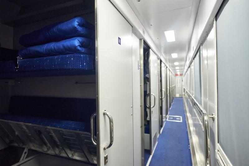 Укрзалізниця показала нові вагони з роздільним кондиціонуванням та іншими зручностями