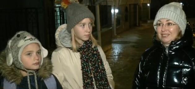 """Дівчинка з відео на Андріївському узвозі розповіла про свій """"дрифт"""": падала 40 разів"""