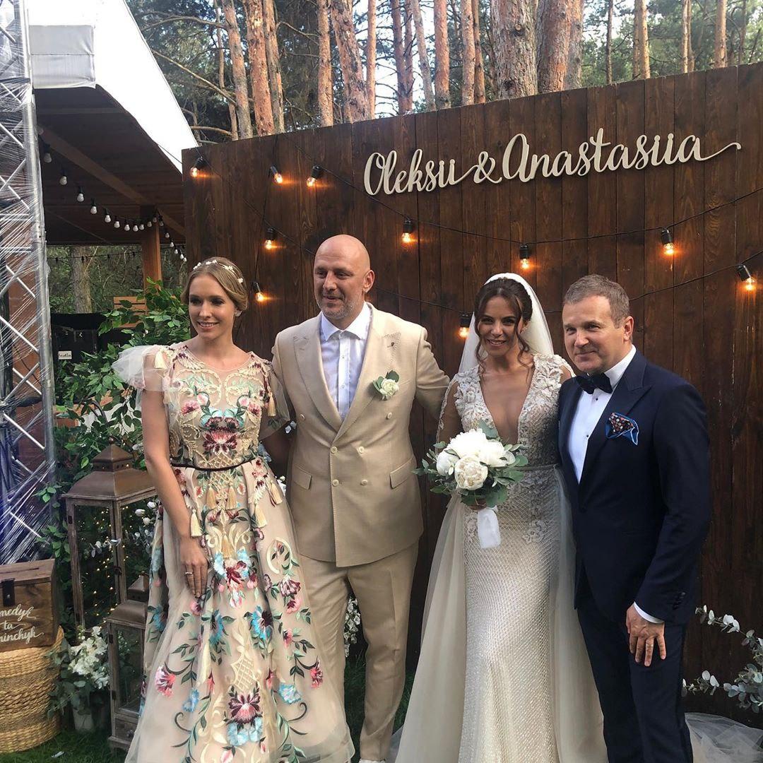 Свадьба года: фото и видео с церемонии Насти Каменских и Потапа