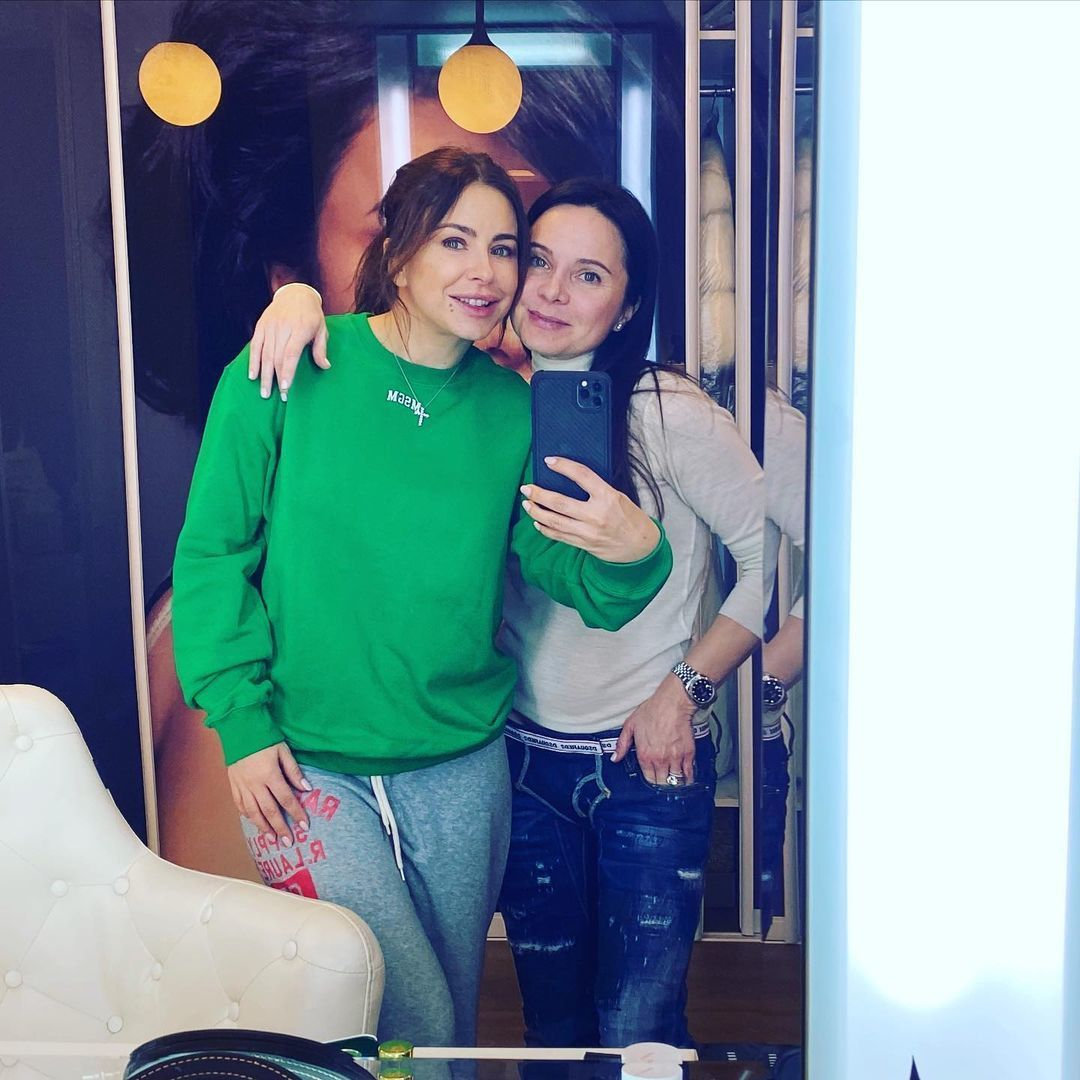 Ани Лорак в Киеве встретилась с кумой: до утра не будем спать!