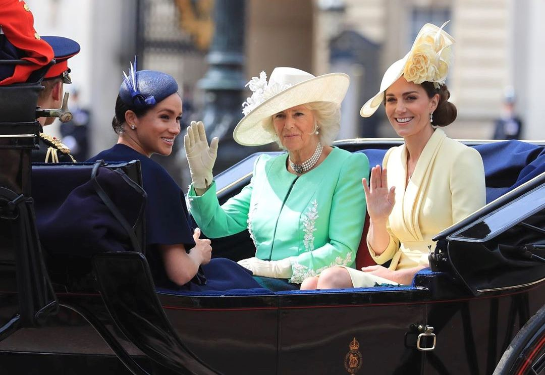 Белая королева: топ-3 восхитительных образа Кейт Миддлтон в светлых тонах