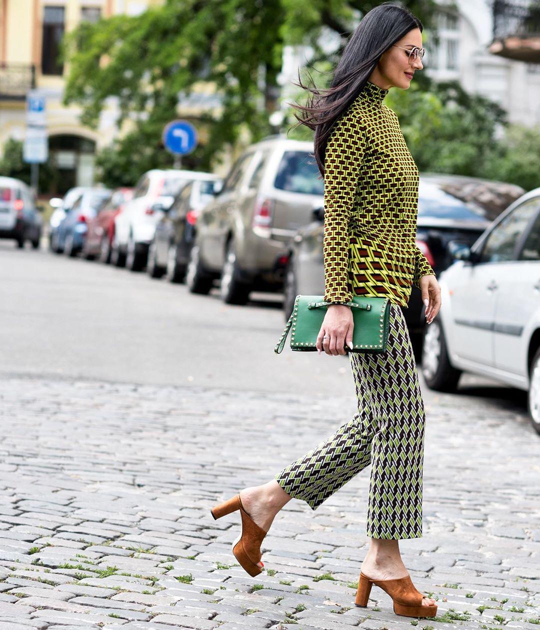 Стильная Маша Ефросинина восхитила стрит-сайл образом в наряде от PRADA