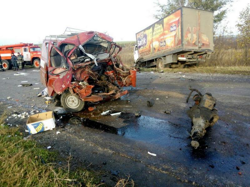 Чудовищная авария: вОдесской области столкнулись три грузовых автомобиля