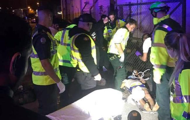 В Лондоне автомобиль наехал на пешеходов возле мечети, есть пострадавшие