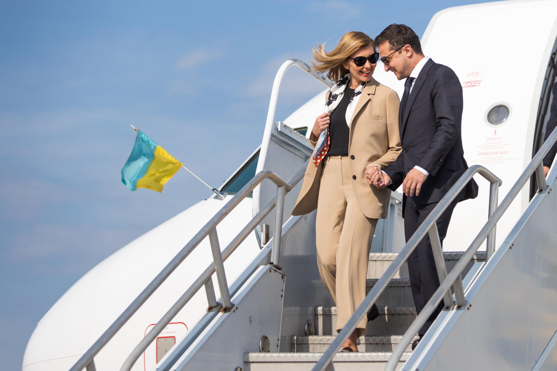 Як завжди прекрасна: Олена Зеленська підкорює Америку стильними нарядами в світлих тонах