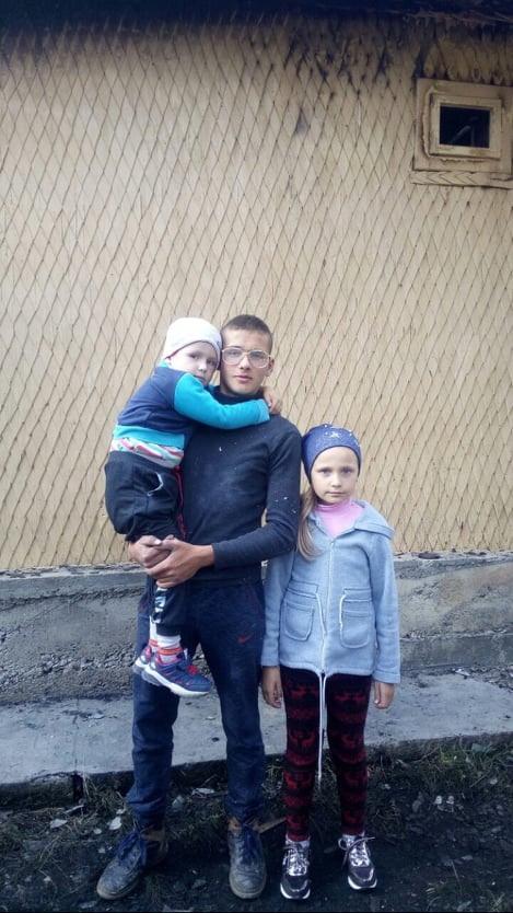 Маленькая героиня: на Закарпатье 8-летняя девочка спасла жизнь брату-малышу