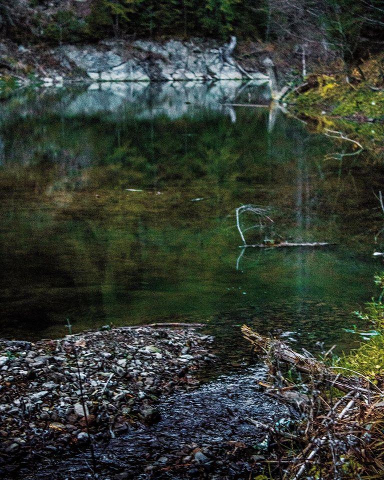 В Карпатах через негоду зникло особливе смарагдове озеро: його дуже любили туристи