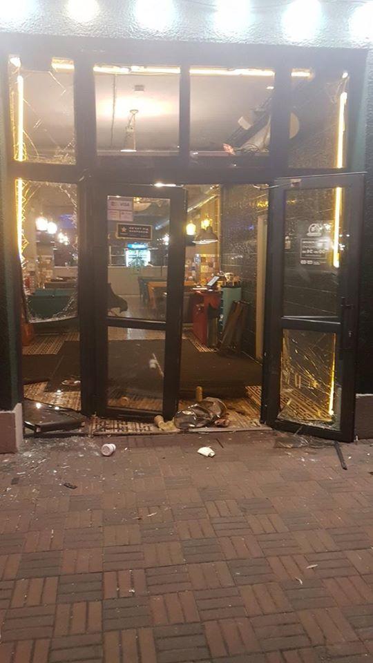 Массовая драка в Киеве: появились новые детали разгрома пиццерии (фото)