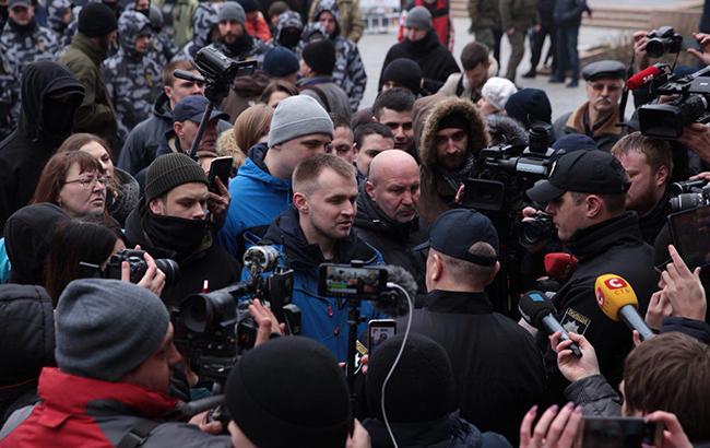 Активісти прорвалися добудівлі Миколаївської обладміністрації і вимагали відставки очільників області