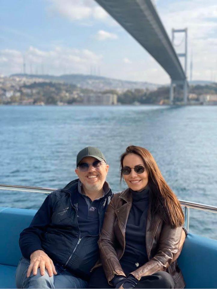 Пора зізнатися світу: відома телеведуча заручилася з юристом (фото)