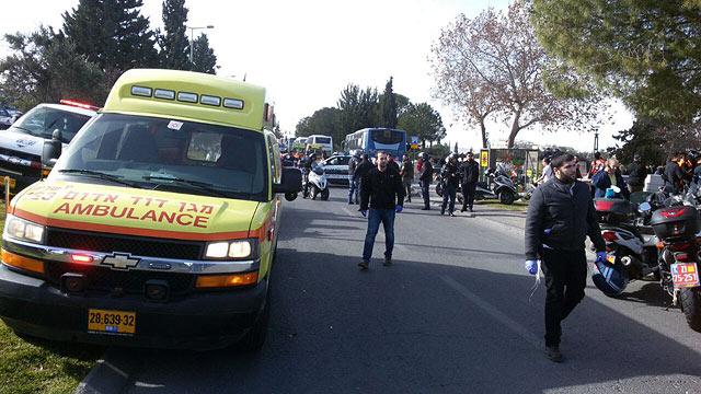 Вглобальной web-сети появилось видео наезда фургона напешеходов вИерусалиме