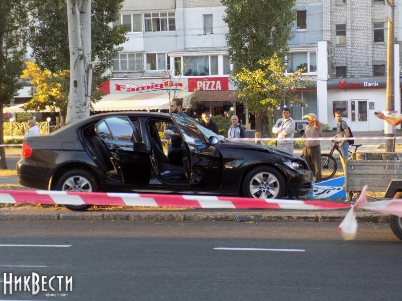 ВНиколаеве БМВ наогромной скорости протаранил группу рабочих-дорожников: четверо погибших