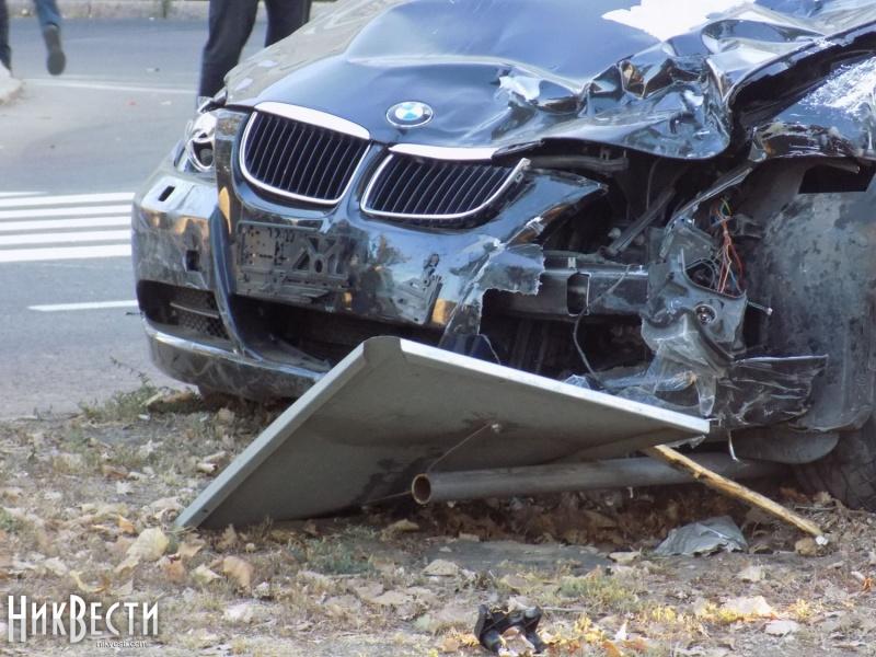 ДТП вНиколаеве: автомобиль наехал наработников автодорожной службы, 4 погибших