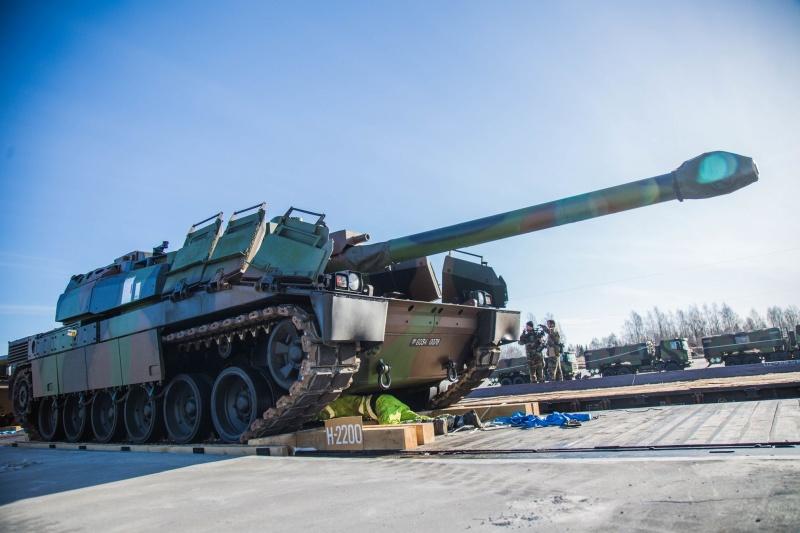 Враг применил танки и артиллерию калибром 122 мм при обстреле Водяного, Широкино и Зенита, - пресс-центр штаба АТО - Цензор.НЕТ 1094