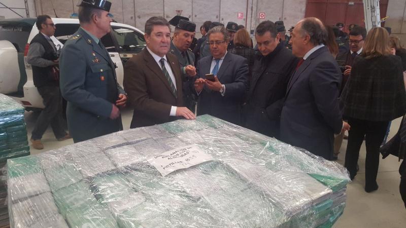 Власти Испании изъяли изконтейнеров сбананами 6 тонн кокаина