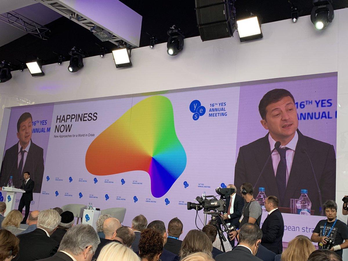Зеленський заявив про необхідність збереження санкцій проти РФ