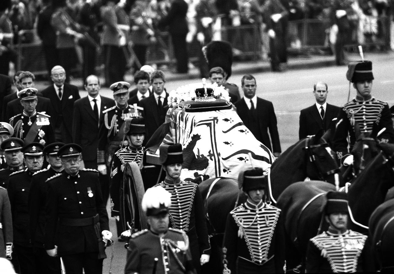 Єлизавета II порушила традицію через принца Гаррі заради похорону Філіпа